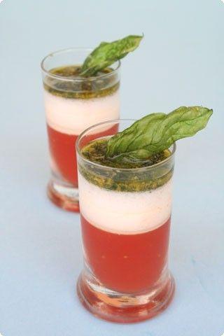 Bicchierini pomodoro, mozzarella basilico
