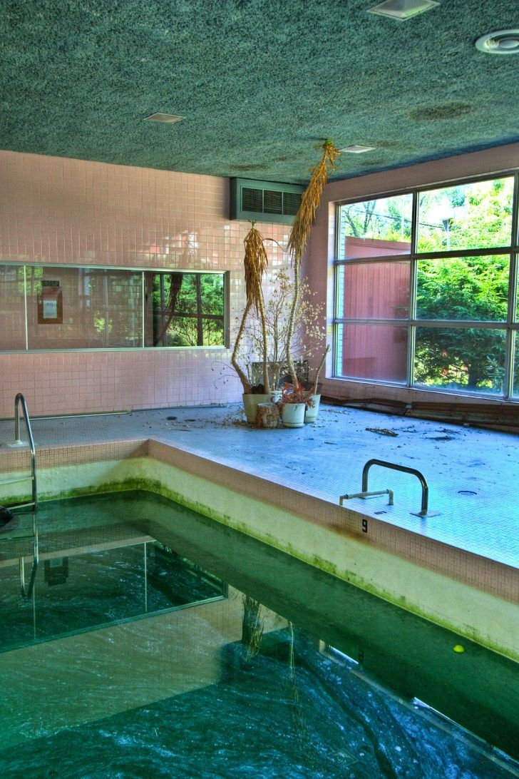 best images about abandond pools the abandoned the abandoned penn hills resort in the pocono mountains abandoned playgrounds