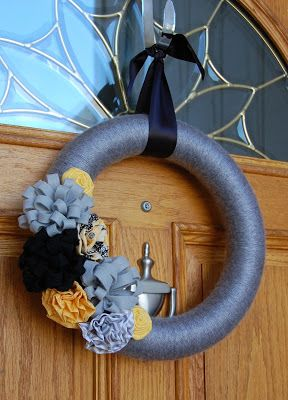 Pinkie for Pink: DIY Grey, Yellow and Black Wreath