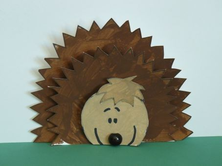 Cute arts and crafts project for my kiddos! It's a hedgehog!
