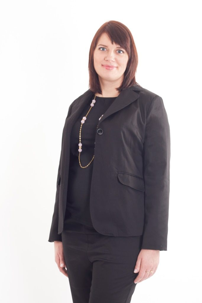 Maternity black one-button blazer