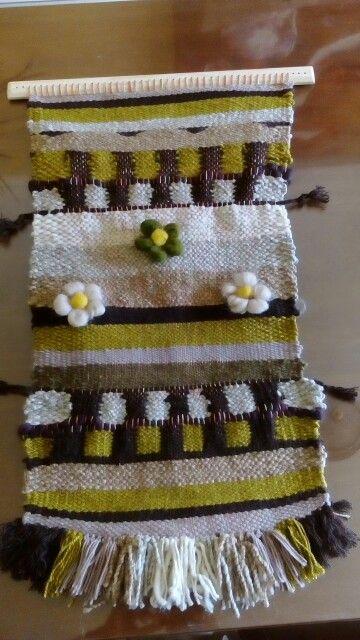 Telar con flores de bellón