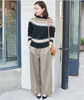 LE DENIM スキニ―フリンジデニムパンツ 裾をカットオフにし着丈に前後差をつけ、デザイン性のあるスキニーパンツ。 今年はファーサンダルやスリッパを合わせて着こなせば旬なトレンドスタイルを演出できますよ。