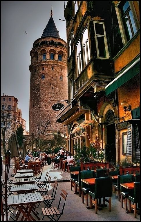 Galata Tower, Kuledibi, Istanbul, Turkey http://gbirlik.tumblr.com/post/38787291481/galata-tower-kuledibi-istanbul-turkey-by
