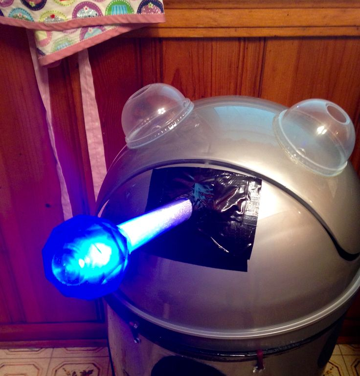 Step 4 tap the light up wand to make sure it works and stays on #drwho