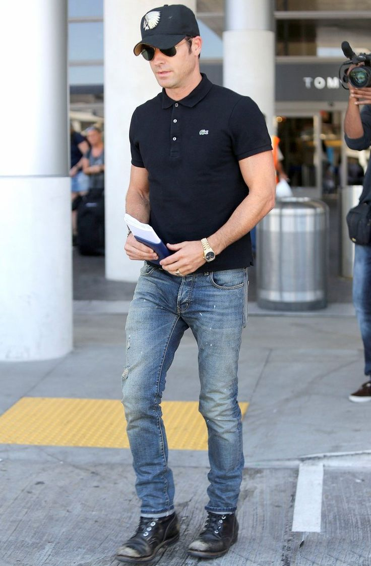 Justin Theroux In Skinny Blue Jeans JustinTheroux-Skinnies-02.jpg