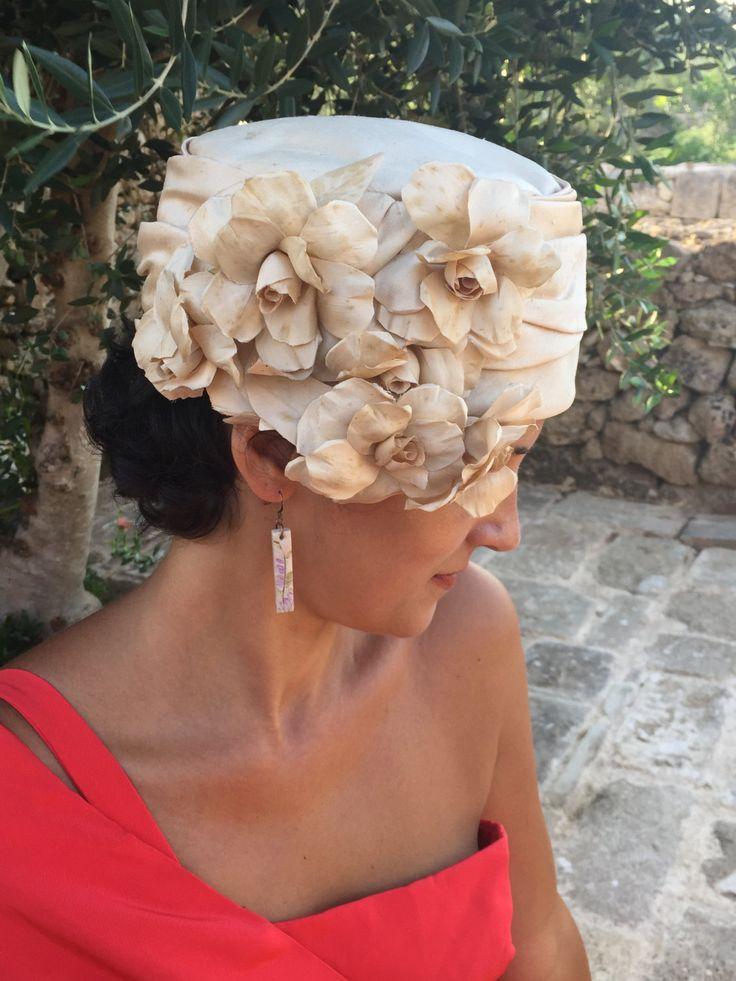 Cappello anni '40 / Cappellino Vintage / Cappellino con fiori di shantung di seta  / Cappello da matrimonio / Cappellino da cerimonia by nonaprirequellarmadi on Etsy