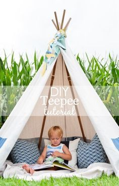 DIY No-Sew Teepee (with tutorial) - My kids would have a blast with this super fun bedroom idea. I could use this outdoors or inside the home!