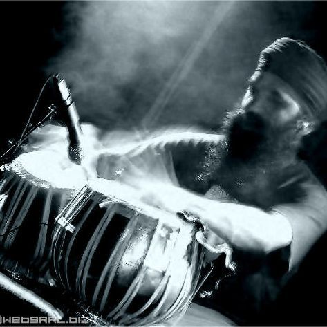 posting some my old photos - this one i love how i captured the movement - taken at an event i cannot recall the name but it was in Melbourne at the Hifi Bar.. in 2004 - and it had #Bellydancing  #tabla #drumming #myphotos #ozdoof #music #instrument #drums