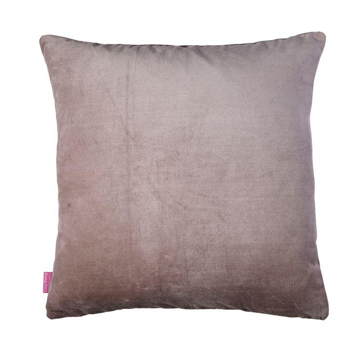 Cotton Velvet Pute 50×50 fra Cozy Living. Denne er i fargen Khaki. Bestill den hos oss. https://www.krogh-design.no/interior/puter/