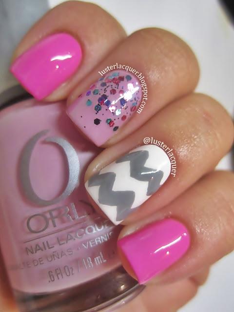 Glitter Gradient and Chevron. #nails #nailart #manicure #chevron #glitter