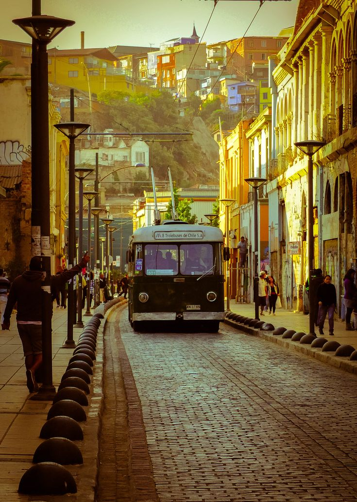 Chile ,South America ,Trolley ,Valparaiso,bus ,Trolebus- Valparaíso by Mauro…