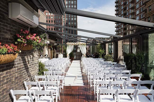 8 Affordable Manhattan Nyc Wedding Venues Get Prices Nyc Wedding Venues Wedding Venues Rooftop Garden Nyc