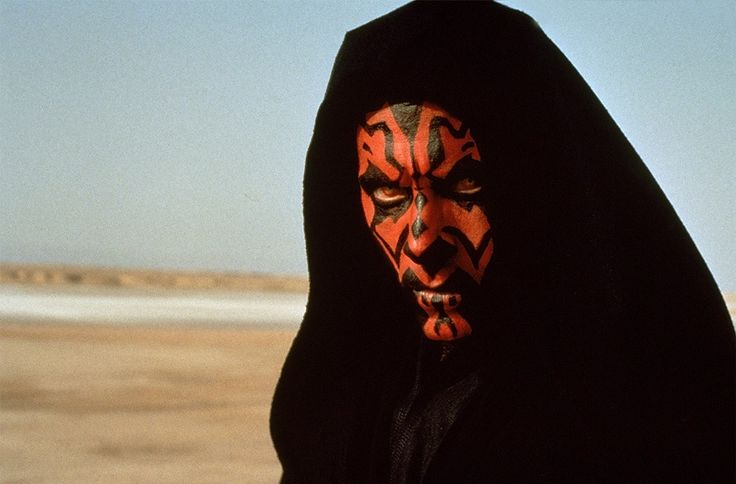 Darth Maul, one of the most impressive villains of the Star Wars saga, hooked the public during his appearance in The Phantom Menace. If the character almost never speaks, he is still entitled to a line near the end of the film. But this is not the voice of his actor Ray Parks, but that of the British comedian Peter Serafinowicz, as we have seen in Shaun of the Dead, and more recently the action comedy Spy.  © RONALDGRANT / MARY EVANS / SIPA