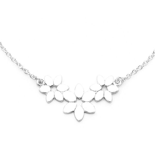 Add some pretty floral style to your outfit with this Sterling Silver Flower Necklet
