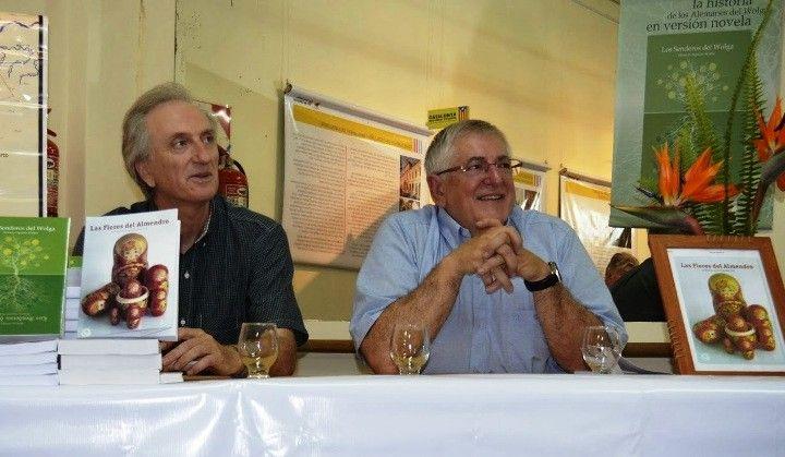"""Presentación del libro """"Las flores del almendro"""". www.lasextaseccion.com.ar"""