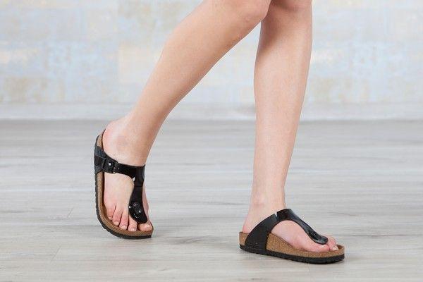 Tongs Birkenstock Gizeh couleur noir pour femmes en birko-Flor® vernis (noir) - BK043661 | Nos-Sandales.com