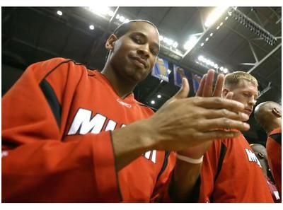 The Total Tutor Neil Haley will interview NCAA Champion and NBA Champion Derek Anderson. Derek Anderson was an NCAA and NBA champion who averaged 12.0 points and 3.4 assists during his 11 seasons with Cleveland, Los Angeles Clippers, San Antonio, Portland, Houston, Miami and Charlotte. He now is a businessman, producer, screenwriter, author and philanthropist.