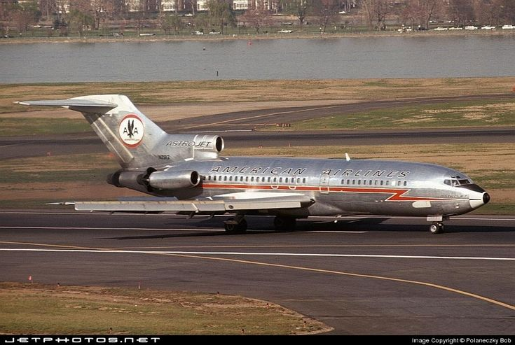 American Airlines, Boeing 727-23 (N2913) at KDCA 1969