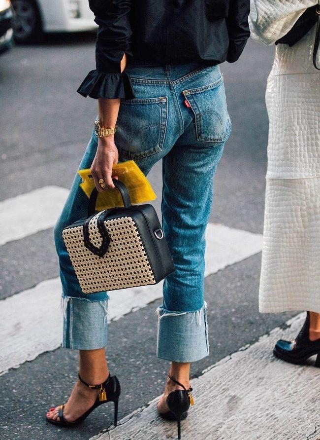 Intercaler un jean Levi's au sein d'une tenue néo-élégante : le truc casual-chic du moment !