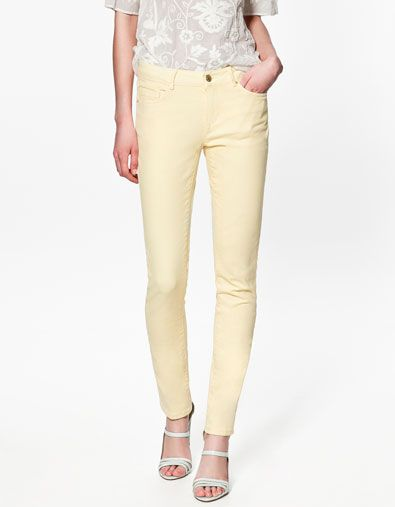 Le skinny pastel j'ADORE. Disponible chez Zara dans toutes les teintes possible. / God I loovvve those skinny in pastels!!! Zara have them in all those nice colors!