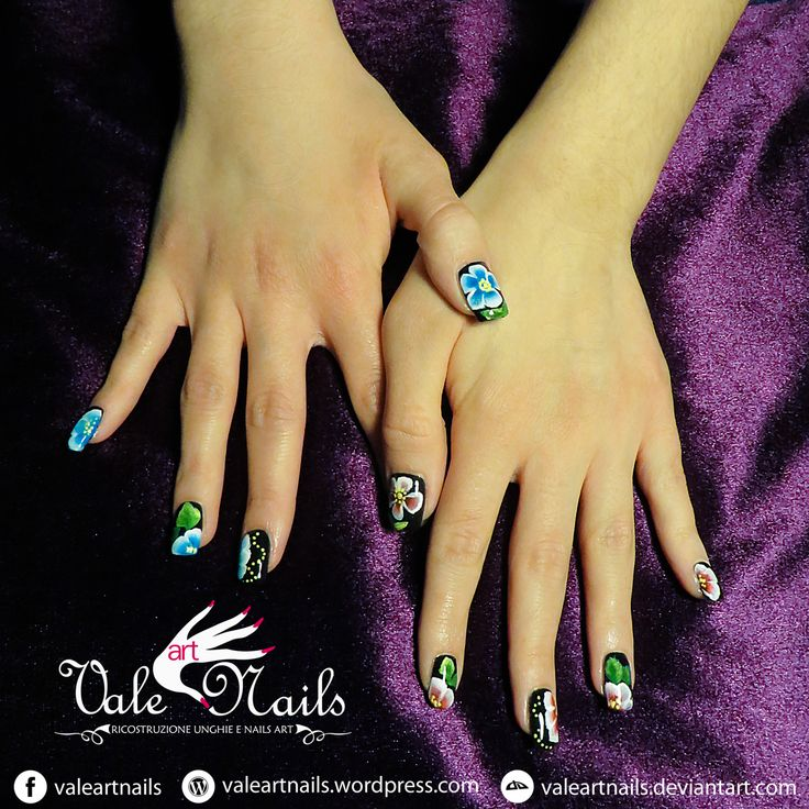#valeartnails #verona #veronacity #rovigo #trend #flowers #onestroke #naildesign #trendy #nails #nail #fashion #style #cute #beauty #beautiful #instagood #pretty #girl #girls #stylish #sparkles #styles  #nailart #art
