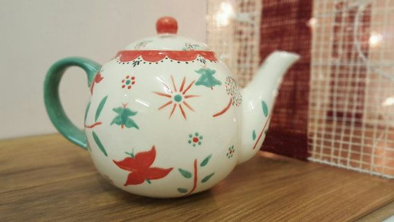 Teapot Vintage Style  4 Cup Traditional Teapot by DoodleAlleyuk