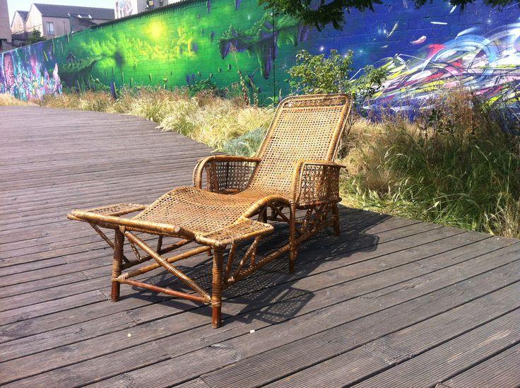Galerie vauclair chaise longue en rotin d but xxe for Chaise longue rotin