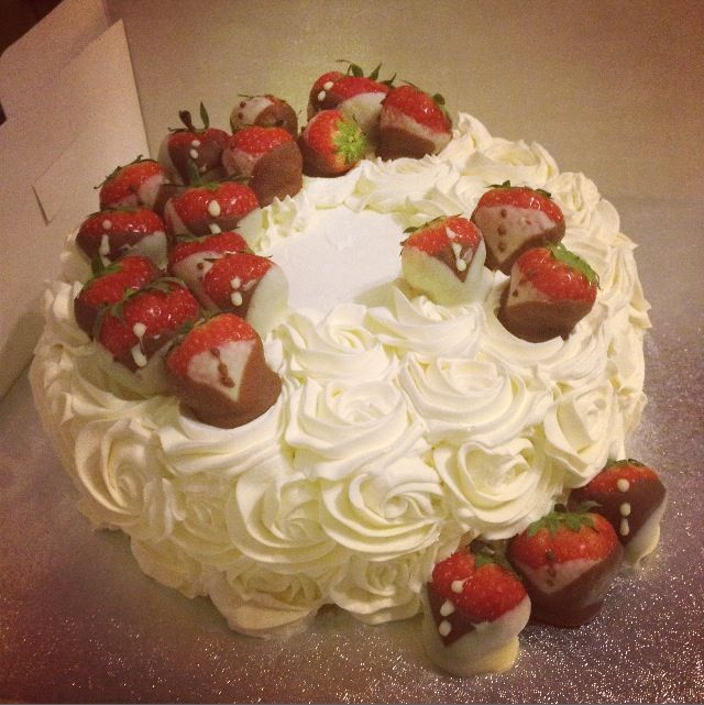 1000+ Images About Fresh Cream Cakes On Pinterest