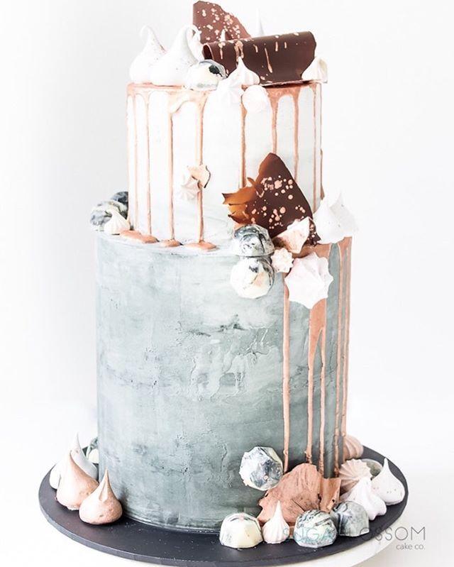 25+ best ideas about Modern cakes on Pinterest Modern ...