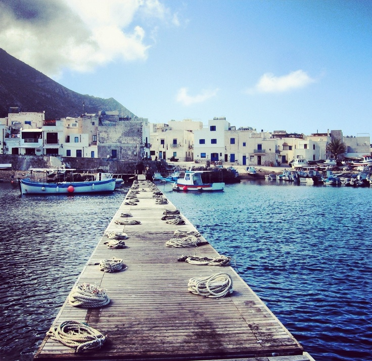 Favignana | This photo describes that sense of melancholy when you're going to leave Sicily...Have you ever tried the same feeling? #lsicilia #sicily #favignana