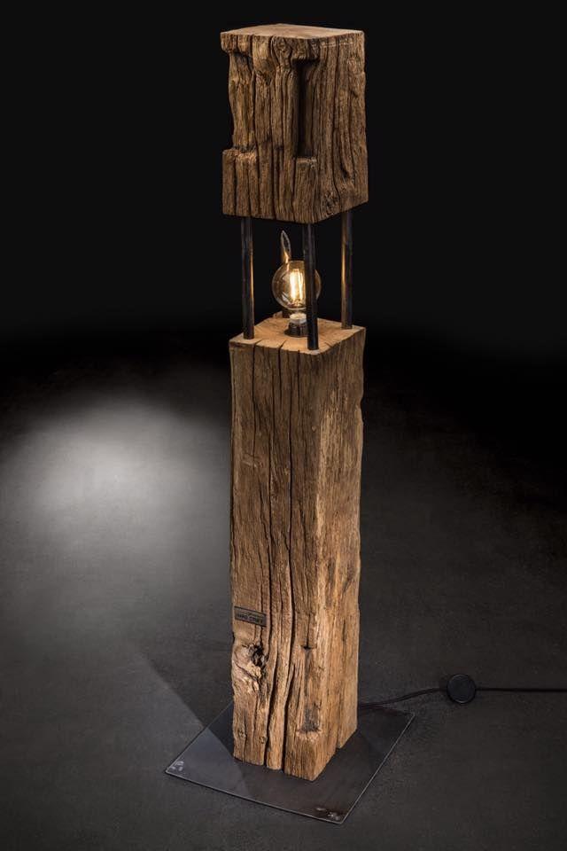 """Lampe """" The Big Cube """" aus über 100 Jahre alter Eiche und Rohstahl in Kombination mit"""