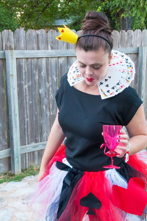 The Queen of Hearts DIY Costume | All That Glitters