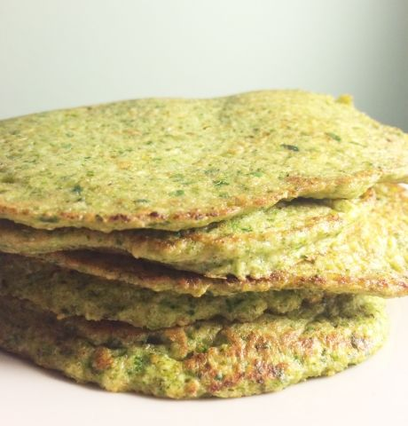 Pandekager med broccoli og spinat