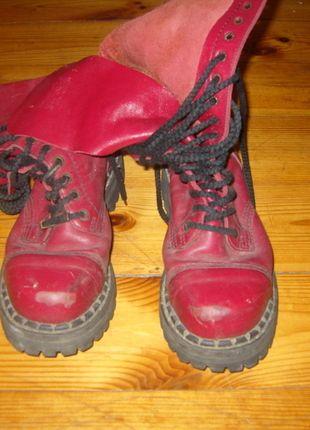 Kup mój przedmiot na #vintedpl http://www.vinted.pl/damskie-obuwie/inne-obuwie/5343278-wysokie-bordowe-glany-z-przetarciami-z-przodu