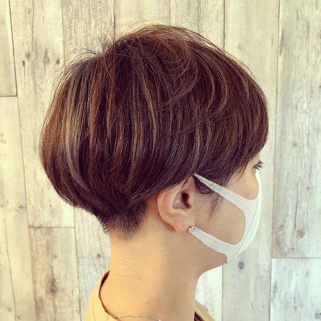 Hair Atelier Atoco Instagram 最近刈り上げ女子多め そして密かなグレージュハイライト ヘアスタイル ボブ ヘアカット ヘアカラー ハイライト ショートヘア ツーブロック マッシュショート 刈り上げ女子 大仙市 美容 ヘアカット ヘアスタイル 髪型