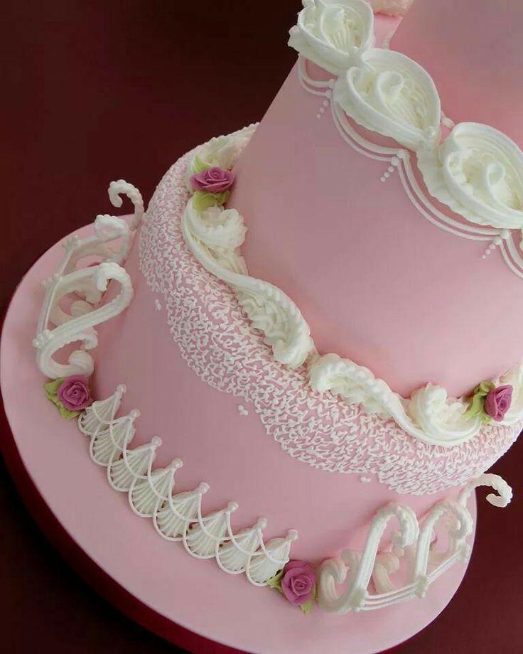86 best images about sugar art classes on pinterest for Art cake decoration