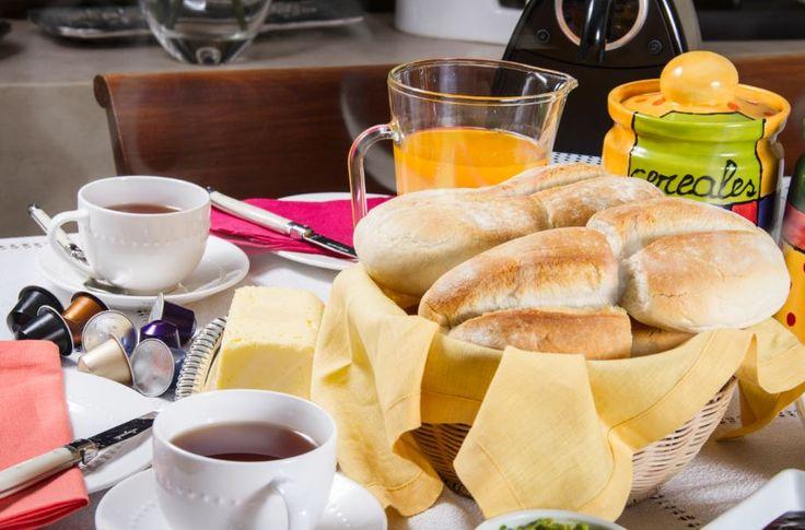 ¿Visitas de última hora? Tus marraquetas HOME BAKERY de BredenMaster te salvan a la hora del té. Sólo 10 minutos al horno y están listas. :)