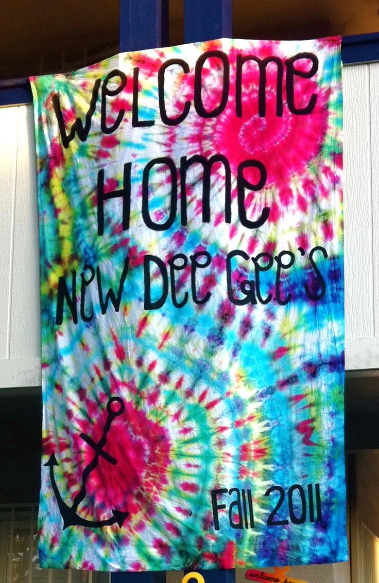 tye dye welcome banner? okay. HIPPIE BID DAY PLEASEEEE