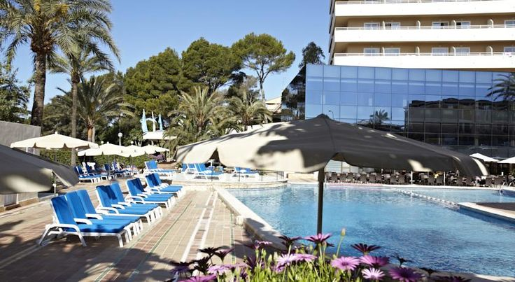 Grupotel Taurus Park Playa de Palma Situated 500 metres from Playa de Palma Beach, Grupotel Taurus Park offers tennis courts, indoor and outdoor pools, a hot tub and gym. A private balcony can be found in each air-conditioned room.