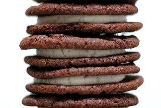 Homemade Oreos — Recipe from Smitten KitchenDesserts, Tasty Recipe, Fun Recipe, Glutenfr Recipe, Food, Homemade Oreo Cookies, Cookies Link, Homemade Oreos, Smitten Kitchens
