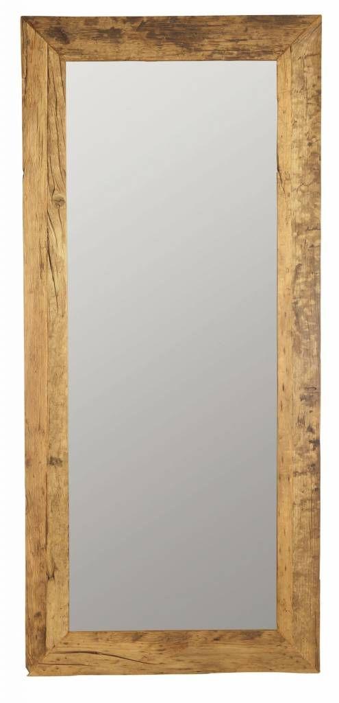 Een levensgrote spiegel. Wauw! Maarliefst 210cm hoog dit exemplaar van House Doctor van gerecycled hout. Elke spiegel is daarom anders.