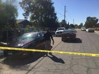 Fresno County sheriff's detectives investigate an infant death Sept. 20, 2017, in Calwa. A man and a woman were detained by detectives.