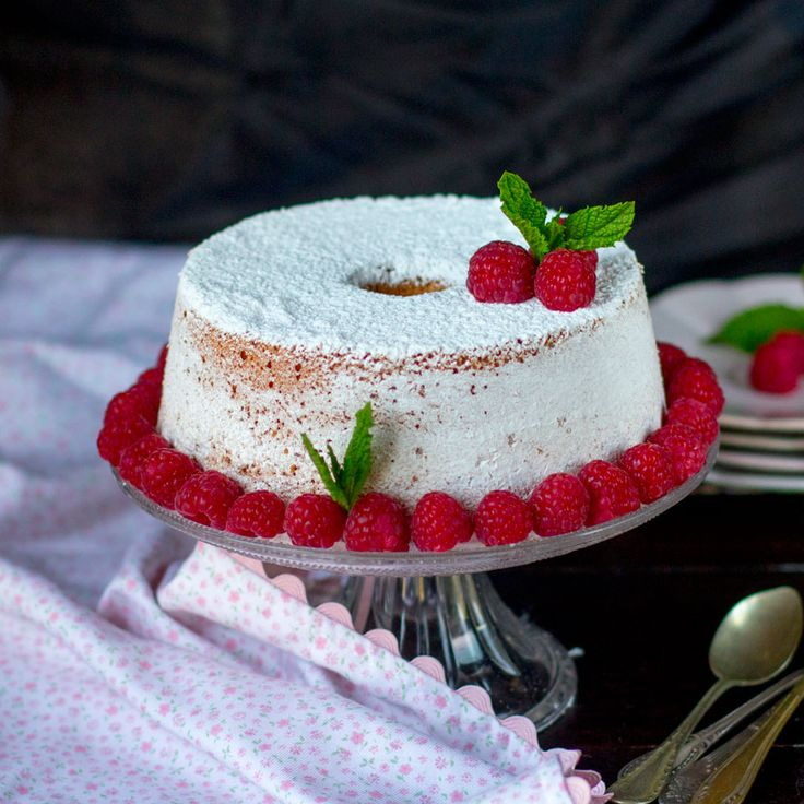 Raspberry angel food cake. Receta Norteamericana con Thermomix « Thermomix en el mundo