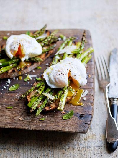 Grilled Asparagus & Poached Egg on Toast | Egg Recipes | Jamie Oliver