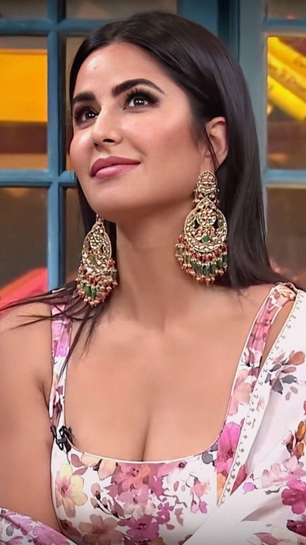 Katrina kaif hot sexy boobs