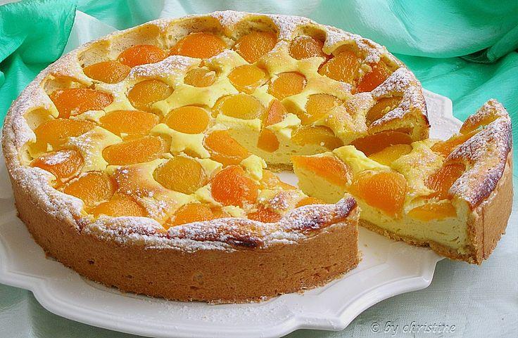Topfenkuchen mit Marillen, ein tolles Rezept aus der Kategorie Kuchen. Bewertungen: 54. Durchschnitt: Ø 4,5.