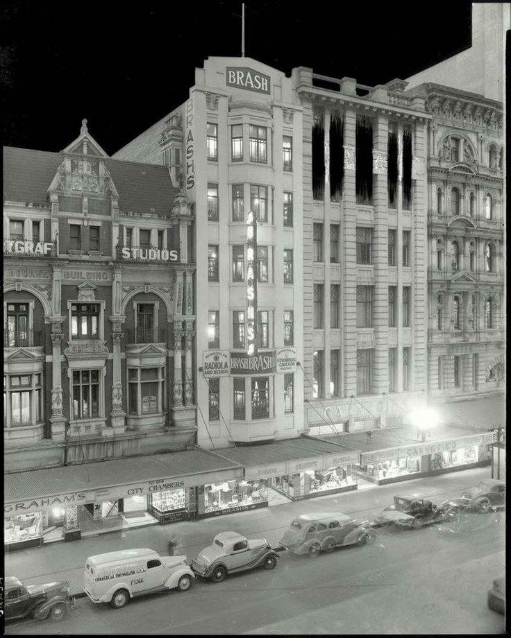 Elizabeth Street, 1930s