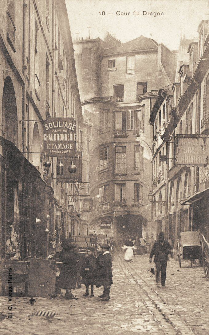 cour du Dragon - Paris 6ème - La cour du Dragon vers 1900 (vieille carte postale)
