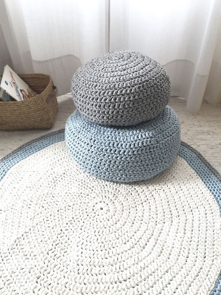 1000 ideas about crochet floor cushion on pinterest crocheting chrochet and diy crochet. Black Bedroom Furniture Sets. Home Design Ideas